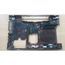 Нижняя часть корпуса поддон bottom case Samsung NP550P5C